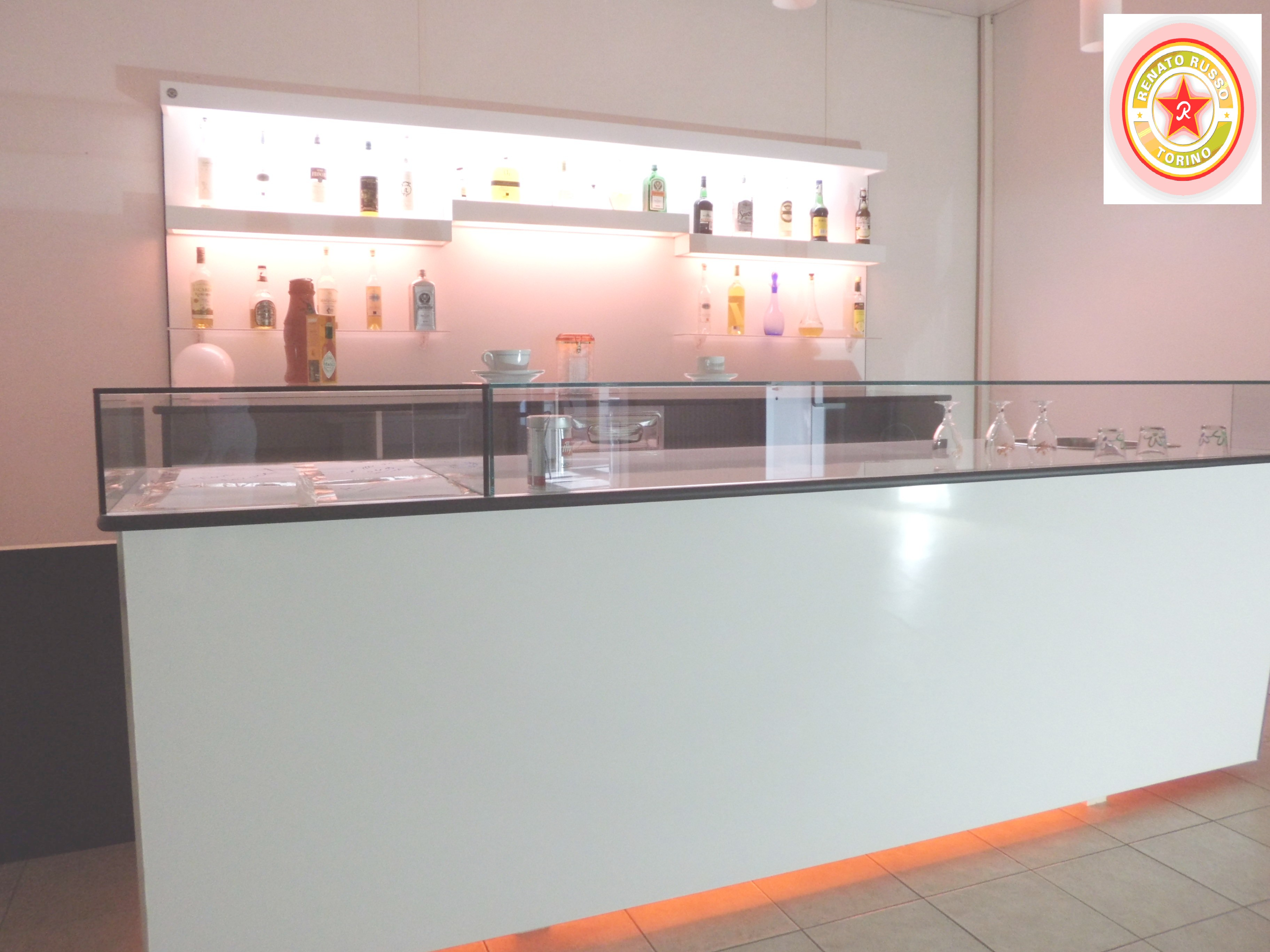 Cassetti battifiltro banchi bar tramogge battifondi for Banconi bar usati roma